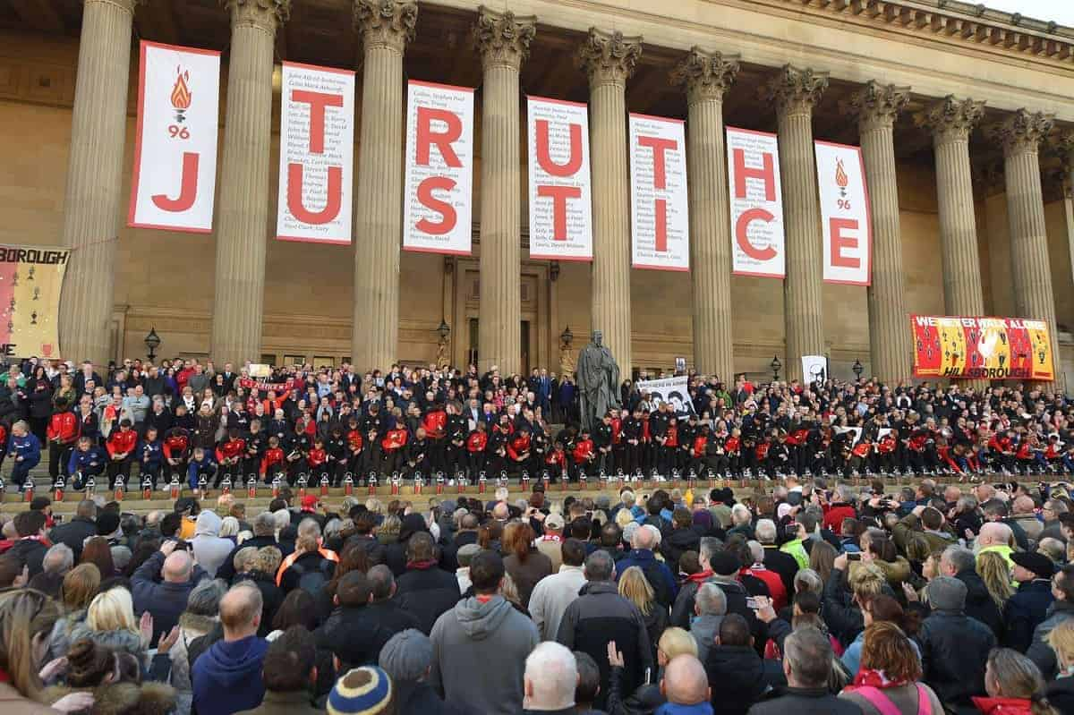 LIVERPOOL, ENGLAND - Wednesday, April 27, 2016: Thousands of people gather outside Liverpool's St George's Hall in remembrance of the 96 victims who died at the Hillsborough disaster, a day after after a two-year long inquest court delivered a verdict of unlawful killing. (Pic by Propaganda)