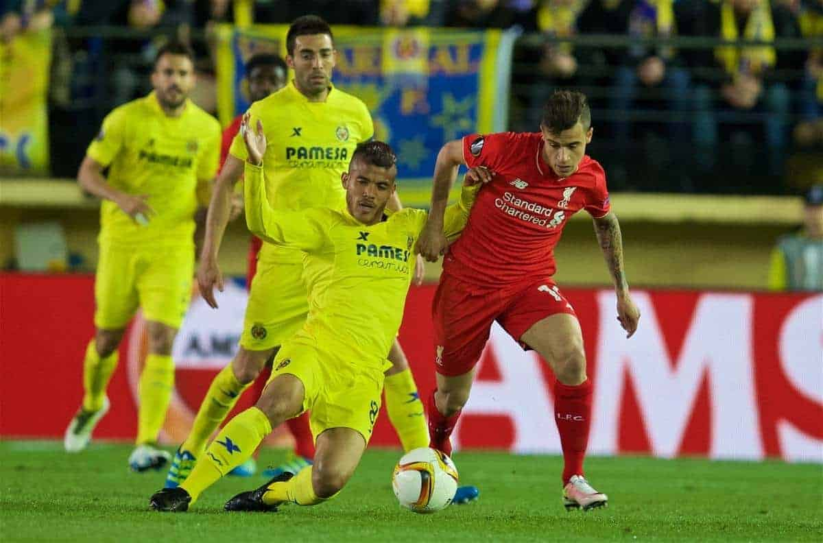 VILLRREAL, SPAIN - Thursday, April 28, 2016: Liverpool's Philippe Coutinho Correia in action against Villarreal CF's Jonathan dos Santos during the UEFA Europa League Semi-Final 1st Leg match at Estadio El Madrigal. (Pic by David Rawcliffe/Propaganda)