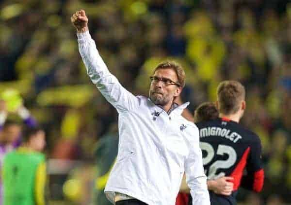 VILLRREAL, SPAIN - Thursday, April 28, 2016: Liverpool's manager J¸rgen Klopp salutes the travelling supporters after the injury-time 1-0 defeat at the hands of Villarreal CF during the UEFA Europa League Semi-Final 1st Leg match at Estadio El Madrigal. (Pic by David Rawcliffe/Propaganda)
