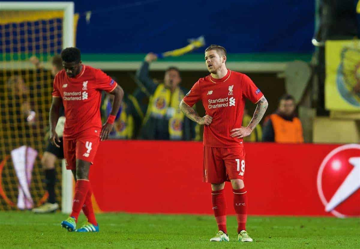 VILLRREAL, SPAIN - Thursday, April 28, 2016: Liverpool's Kolo Toure and Alberto Moreno look dejected after the injury-time goal to Villarreal CF during the UEFA Europa League Semi-Final 1st Leg match at Estadio El Madrigal. (Pic by David Rawcliffe/Propaganda)
