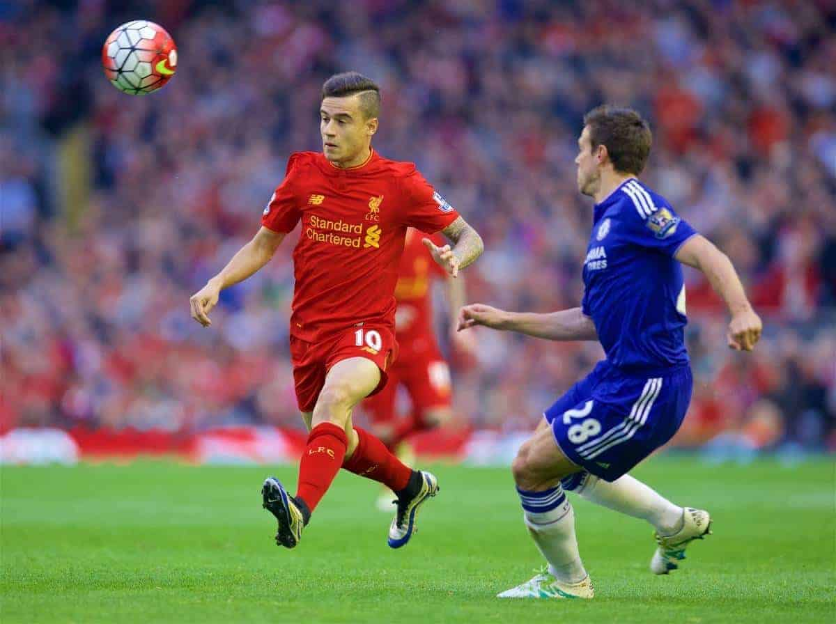LIVERPOOL, ENGLAND - Wednesday, May 11, 2016: Liverpool's Philippe Coutinho Correia in action against Chelsea's Cesar Azpilicueta during the Premier League match at Anfield. (Pic by David Rawcliffe/Propaganda)