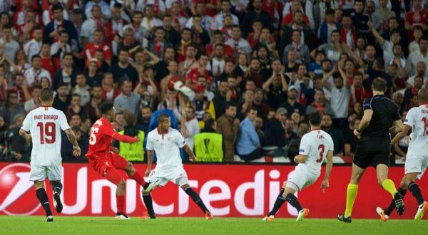 BASEL, SWITZERLAND - Wednesday, May 18, 2016: Liverpool'sDaniel Sturridge scores the first goal against Sevilla during the UEFA Europa League Final at St. Jakob-Park. (Pic by David Rawcliffe/Propaganda)