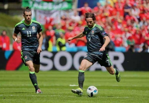 LENS, FRANCE - Thursday, June 16, 2016: Wales' Joe Allen and Gareth Bale in action against England during the UEFA Euro 2016 Championship Group B match at the Stade Bollaert-Delelis. (Pic by David Rawcliffe/Propaganda)