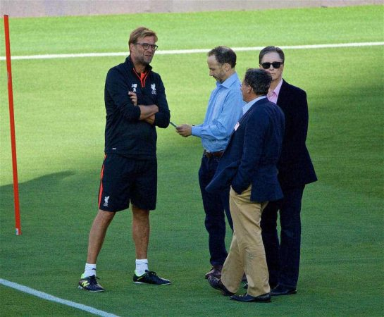 SANTA CLARA, USA - Friday, July 29, 2016: Liverpool's manager Jürgen Klopp chats with co-owner and NESV Chairman Tom Werner, owner John W. Henry and Director Michael Gordon during a training session ahead of the International Champions Cup 2016 game against AC Milan on day nine of the club's USA Pre-season Tour at the Levi's Stadium. (Pic by David Rawcliffe/Propaganda)