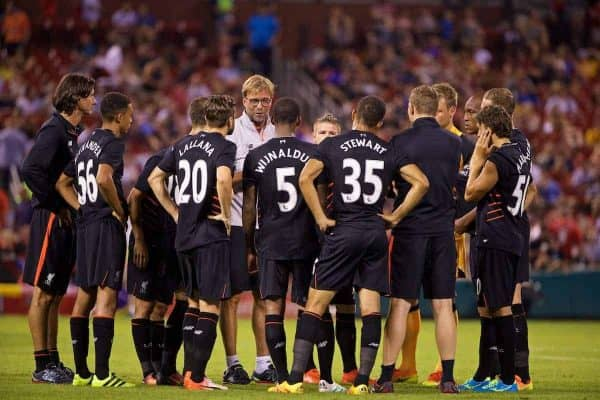 ST. LOUIS, USA - Monday, August 1, 2016: Liverpool's manager Jürgen Klopp speaks to his team during a pre-season friendly game against AS Roma on day twelve of the club's USA Pre-season Tour at the Busch Stadium. (Pic by David Rawcliffe/Propaganda)