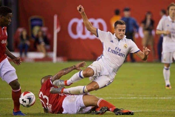 NEW JERSEY, USA - Wednesday, August 3, 2016: Real Madrid's Lucas Vázquez is tackled by Bayern München's Arturo Vidal during the International Champions Cup match at the Red Bull Arena. (Pic by David Rawcliffe/Propaganda)