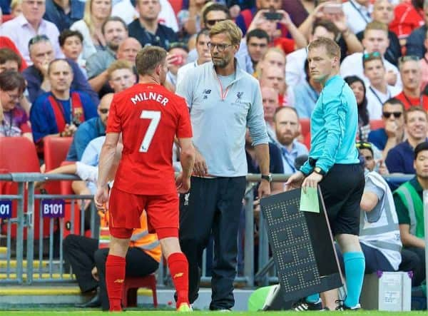 LONDON, ENGLAND - Saturday, August 6, 2016: Liverpool's manager Jürgen Klopp substitutes James Milner against Barcelona during the International Champions Cup match at Wembley Stadium. (Pic by David Rawcliffe/Propaganda)