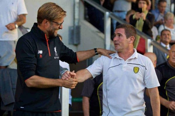 BURTON-UPON-TRENT, ENGLAND - Tuesday, August 23, 2016: Liverpool's manager Jürgen Klopp and Burton Albion's manager Nigel Clough before the Football League Cup 2nd Round match at the Pirelli Stadium. (Pic by David Rawcliffe/Propaganda)