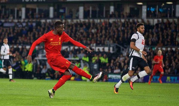 DERBY, ENGLAND - Tuesday, September 20, 2016: Liverpool's Divock Origi scores the third goal against Derby County during the Football League Cup 3rd Round match at Pride Park. (Pic by David Rawcliffe/Propaganda)