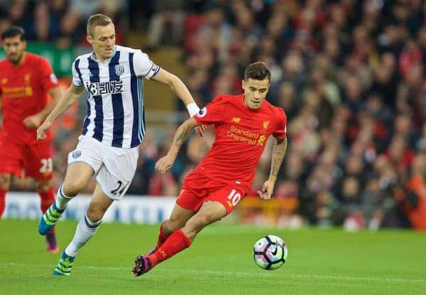 LIVERPOOL, ENGLAND - Saturday, October 22, 2016: Liverpool's Philippe Coutinho Correia in action against West Bromwich Albion's captain Darren Fletcher during the FA Premier League match at Anfield. (Pic by David Rawcliffe/Propaganda)