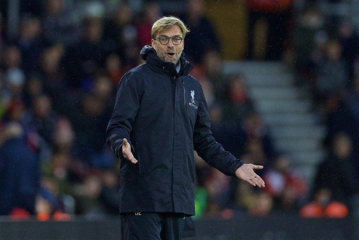 SOUTHAMPTON, ENGLAND - Saturday, November 19, 2016: Liverpool's manager Jürgen Klopp appeals for a penalty against Southampton during the FA Premier League match at St. Mary's Stadium. (Pic by David Rawcliffe/Propaganda)