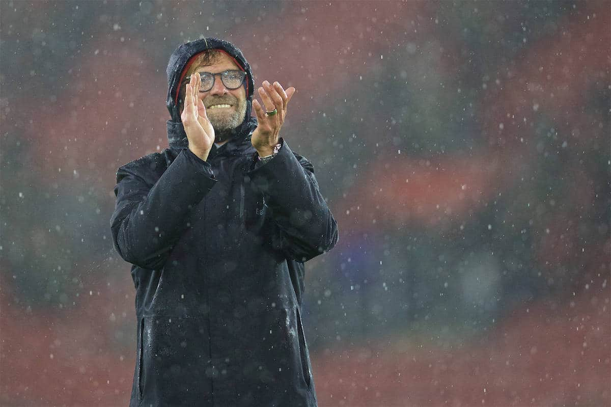 SOUTHAMPTON, ENGLAND - Saturday, November 19, 2016: Liverpool's manager Jürgen Klopp applauds the travelling supporters after a goal-less draw with Southampton during the FA Premier League match at St. Mary's Stadium. (Pic by David Rawcliffe/Propaganda)