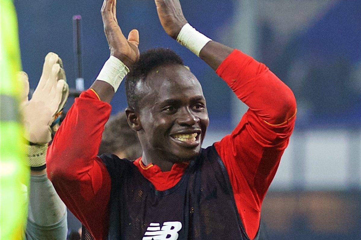 LIVERPOOL, ENGLAND - Monday, December 19, 2016: Liverpool's goal-scoring match-winner Sadio Mane celebrates after the 1-0 victory over Everton during the FA Premier League match, the 227th Merseyside Derby, at Goodison Park. (Pic by David Rawcliffe/Propaganda)