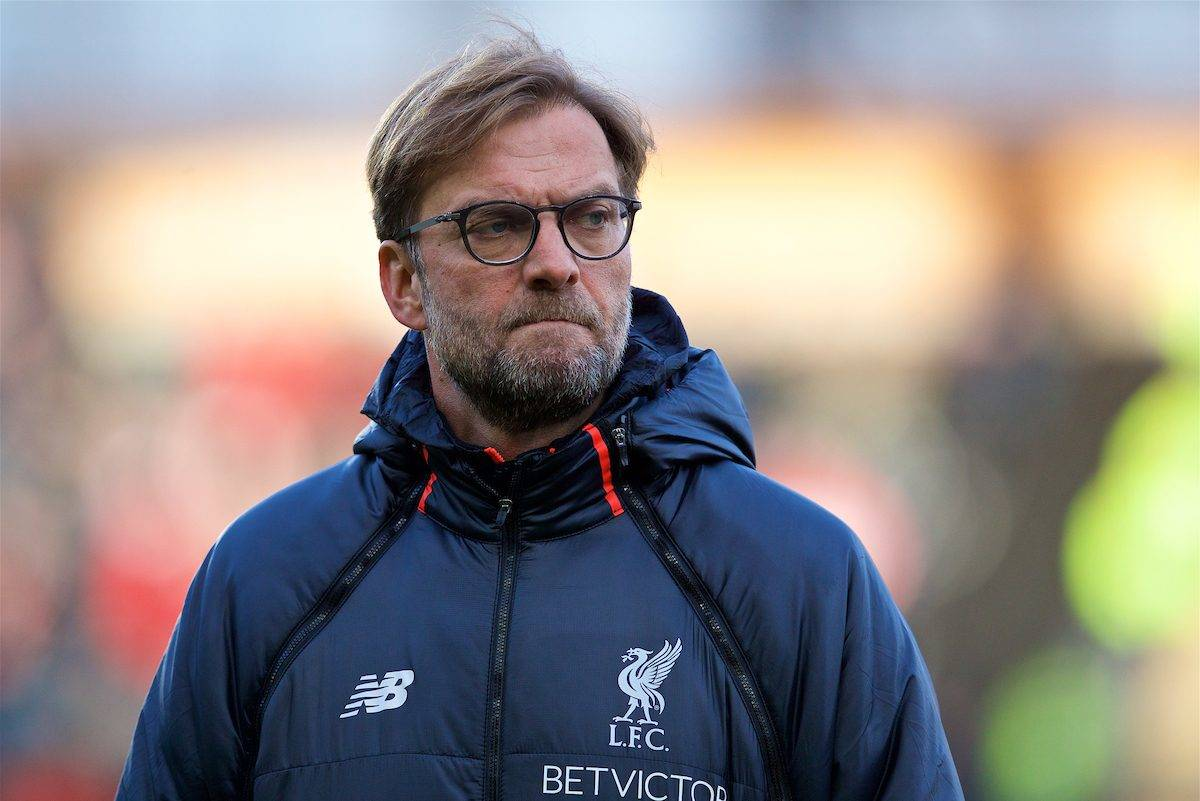 KINGSTON-UPON-HULL, ENGLAND - Saturday, February 4, 2017: Liverpool's manager Jürgen Klopp watches the warm-up before the FA Premier League match against Hull City at the KCOM Stadium. (Pic by David Rawcliffe/Propaganda)