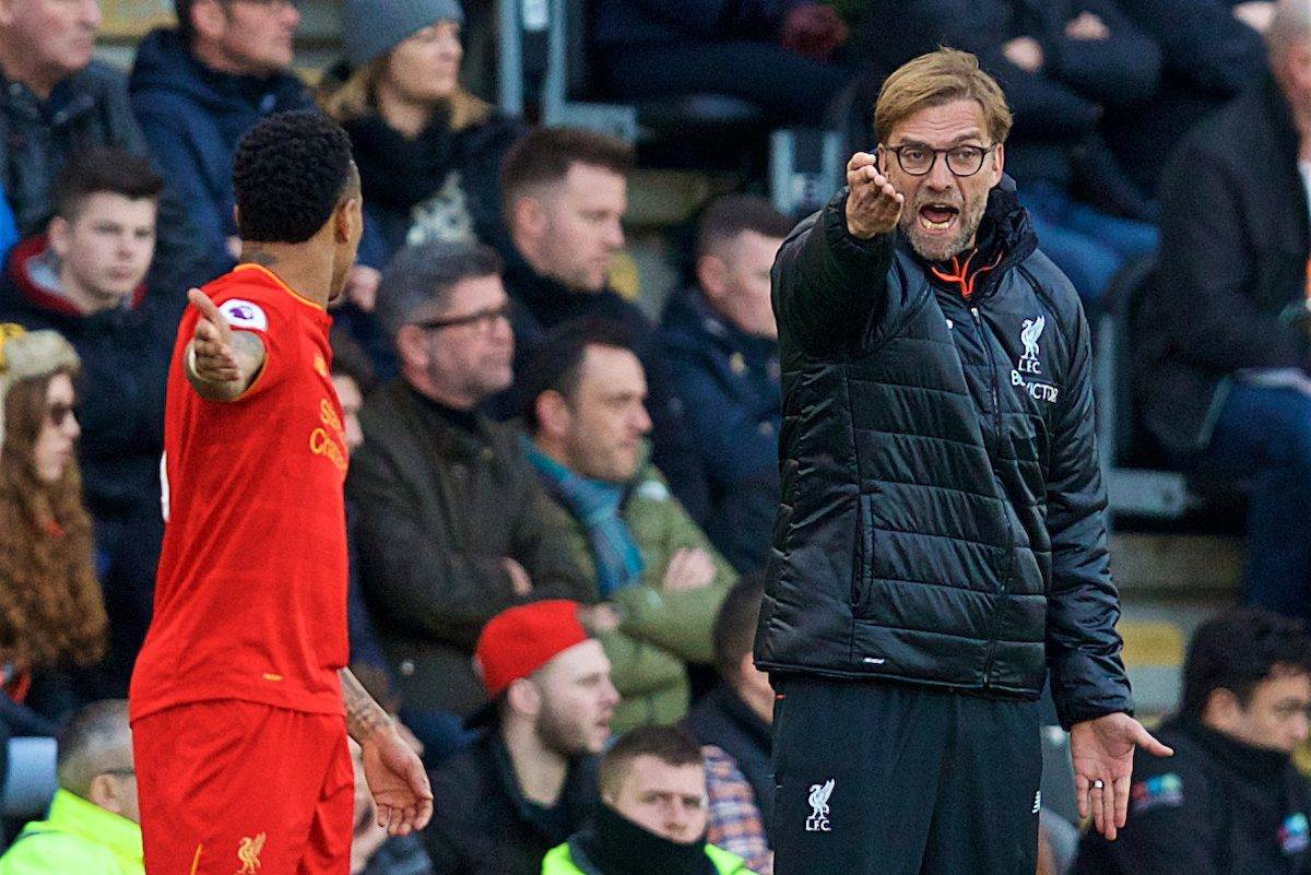 KINGSTON-UPON-HULL, ENGLAND - Saturday, February 4, 2017: Liverpool's manager Jürgen Klopp issues instructions to Nathaniel Clyne during the FA Premier League match against Hull City at the KCOM Stadium. (Pic by David Rawcliffe/Propaganda)