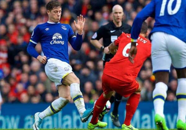 LIVERPOOL, ENGLAND - Saturday, April 1, 2017: Everton's Ross Barkley tackles Liverpool's Dejan Lovren with his studs making contact with Lovren's leg during the FA Premier League match, the 228th Merseyside Derby, at Anfield. (Pic by David Rawcliffe/Propaganda)