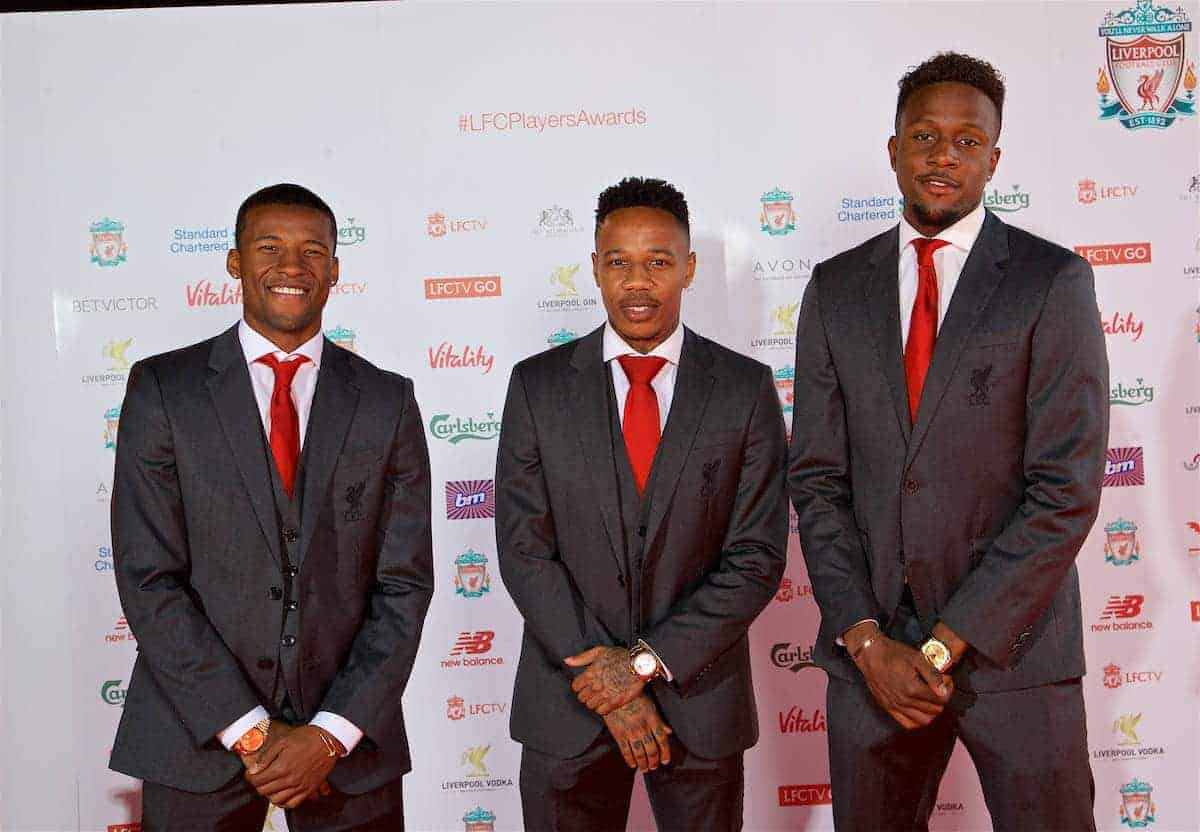 ¿Cuánto mide Nathaniel Clyne? - Real height P170509-014-Liverpool_Awards_2017