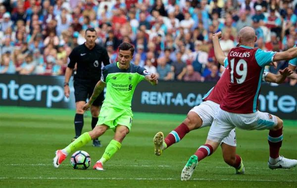 LONDON, ENGLAND - Sunday, May 14, 2017: Liverpool's Philippe Coutinho Correia scores the second goal against West Ham United during the FA Premier League match at the London Stadium. (Pic by David Rawcliffe/Propaganda)