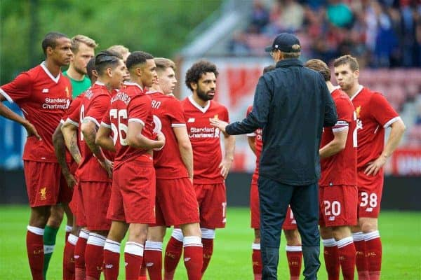 WIGAN, ENGLAND - Friday, July 14, 2017: Liverpool's manager Jürgen Klopp gives a team-talk before a preseason friendly match against Wigan Athletic at the DW Stadium. (Pic by David Rawcliffe/Propaganda)