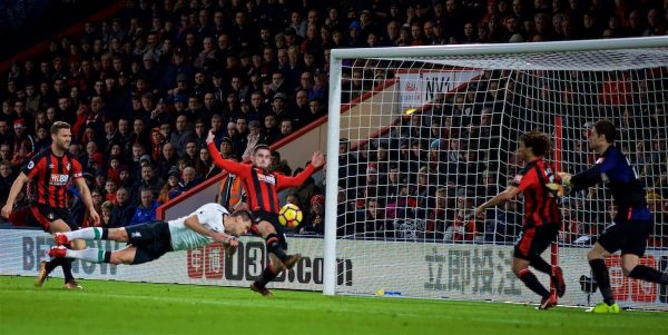 BOURNEMOUTH, ENGLAND - Sunday, December 17, 2017: Liverpool's Dejan Lovren scores the second goal during the FA Premier League match between AFC Bournemouth and Liverpool at the Vitality Stadium. (Pic by David Rawcliffe/Propaganda)