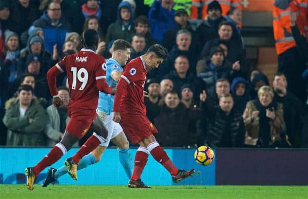 LIVERPOOL, ENGLAND - Sunday, January 14, 2018: Liverpool's Roberto Firmino scores the second goal during the FA Premier League match between Liverpool and Manchester City at Anfield. (Pic by David Rawcliffe/Propaganda)