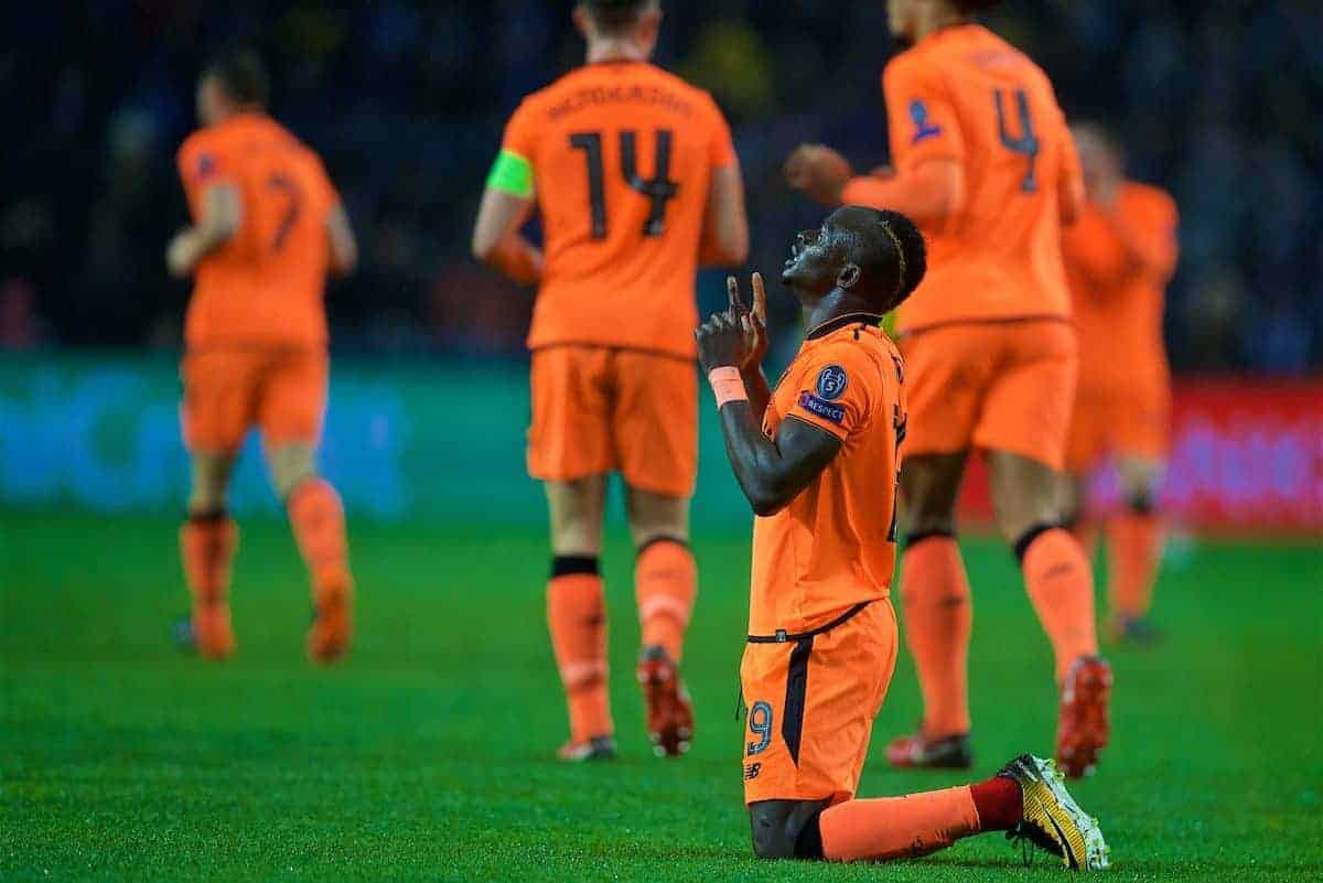 PORTO, PORTUGAL - Wednesday, February 14, 2018: Liverpool's Sadio Mane kneels to pray as he celebrates scoring the first goal during the UEFA Champions League Round of 16 1st leg match between FC Porto and Liverpool FC on Valentine's Day at the Estádio do Dragão. (Pic by David Rawcliffe/Propaganda)