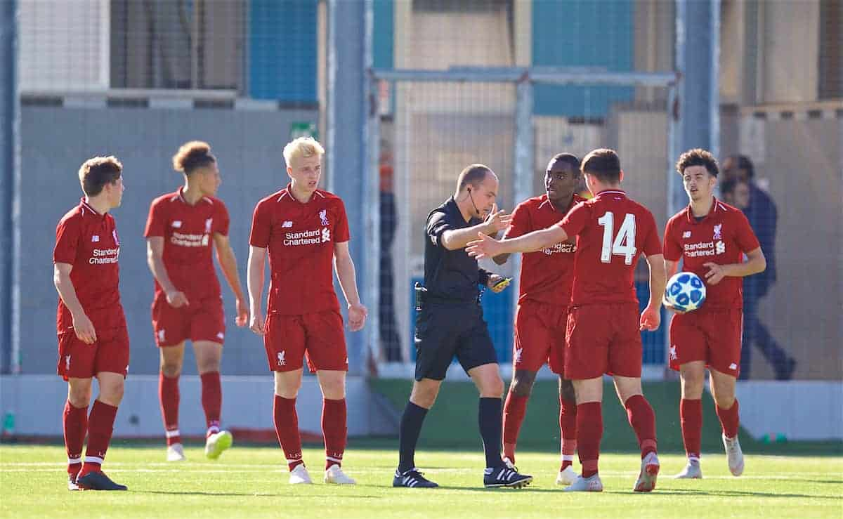 NAPLES, ITALY - Wednesday, October 3, 2018: Liverpool players complain to referee Marius Avram after Napoli's Gianluca Gaetano scores an injury time equalising goal to level the score 1-1, despite two balls being on the pitch, during the UEFA Youth League Group C match between S.S.C. Napoli and Liverpool FC at Stadio Comunale di Frattamaggiore. (Pic by David Rawcliffe/Propaganda)