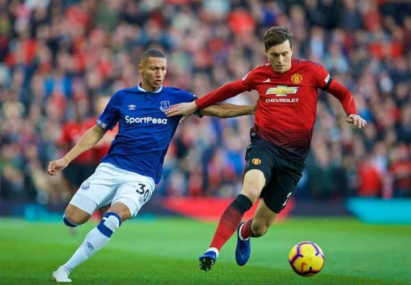 MANCHESTER, ENGLAND - Sunday, October 28, 2018: Everton's Richarlison de Andrade (L) and Manchester United's Victor Lindelöfduring the FA Premier League match between Manchester United FC and Everton FC at Old Trafford. (Pic by David Rawcliffe/Propaganda)
