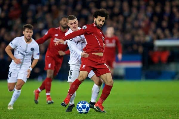 PARIS, FRANCE - Wednesday, November 28, 2018: Liverpool's Mohamed Salah is pulled back by Paris Saint-Germain's Marco Verratti during the UEFA Champions League Group C match between Paris Saint-Germain and Liverpool FC at Parc des Princes. (Pic by David Rawcliffe/Propaganda)