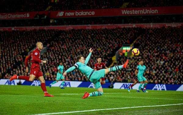 LIVERPOOL, ENGLAND - Saturday, December 29, 2018: Arsenal's Arsenal's Aaron Ramsey shoots during the FA Premier League match between Liverpool FC and Arsenal FC at Anfield. (Pic by David Rawcliffe/Propaganda)