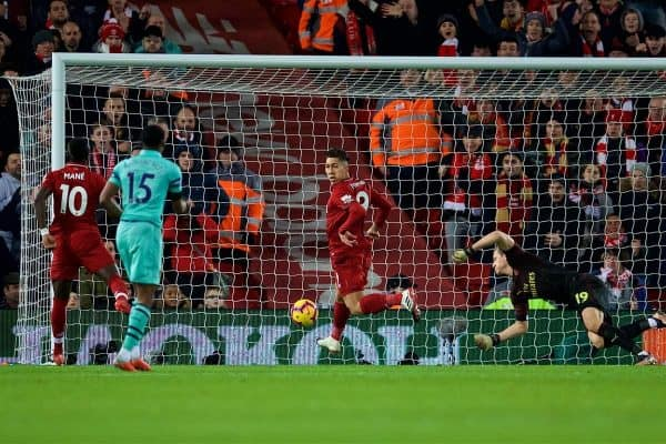 LIVERPOOL, ENGLAND - Saturday, December 29, 2018: Liverpool's Roberto Firmino scores the equalising goal during the FA Premier League match between Liverpool FC and Arsenal FC at Anfield. (Pic by David Rawcliffe/Propaganda)