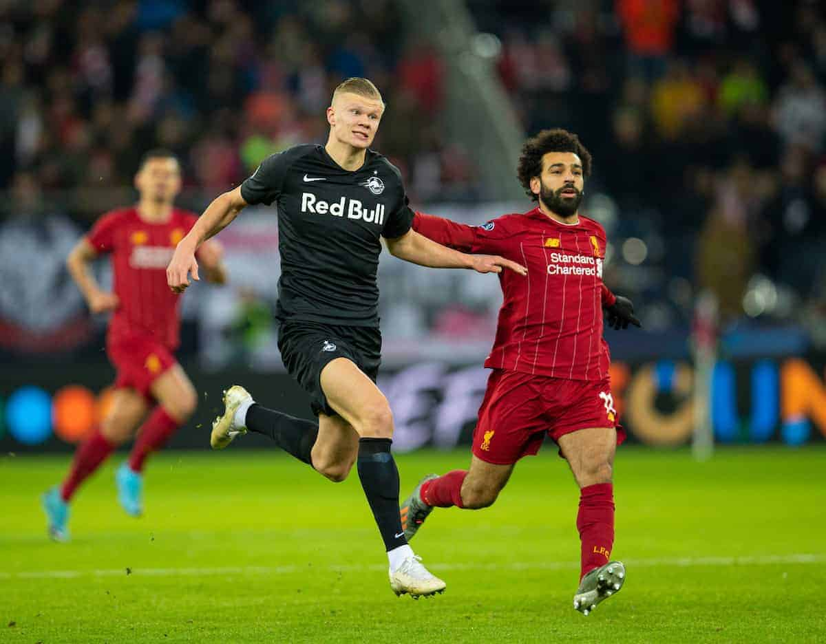 SALZBURG, AUSTRIA - Tuesday, December 10, 2019: FC Salzburg's Erling Braut Håland (L) and Liverpool's Mohamed Salah during the final UEFA Champions League Group E match between FC Salzburg and Liverpool FC at the Red Bull Arena. (Pic by David Rawcliffe/Propaganda)