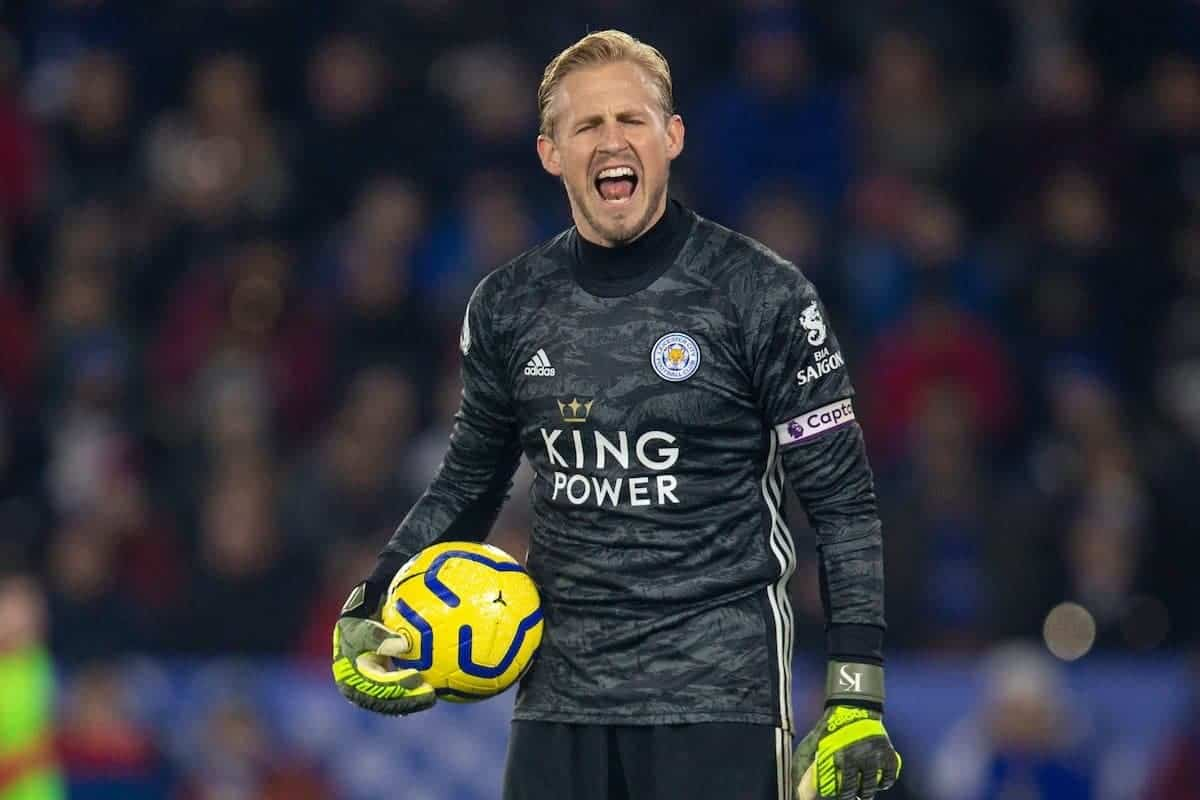 LEICESTER, ENGLAND - Thursday, December 26, 2019: Leicester City's goalkeeper Kasper Schmeichel complains to the assistant referee during the FA Premier League match between Leicester City FC and Liverpool FC at the King Power Stadium. (Pic by David Rawcliffe/Propaganda)
