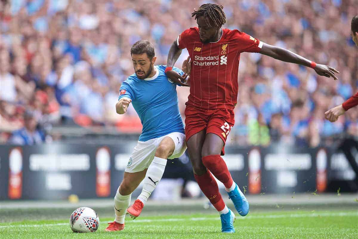 LONDON, ENGLAND - Sunday, August 4, 2019: Manchester City's Bernardo Silva and Liverpool's Divock Origi during the FA Community Shield match between Manchester City FC and Liverpool FC at Wembley Stadium. (Pic by David Rawcliffe/Propaganda)