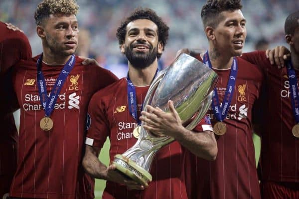 ISTANBUL, TURKEY - Wednesday, August 14, 2019: Liverpool's Mohamed Salah celebrates with the trophy after winning the Super Cup after the UEFA Super Cup match between Liverpool FC and Chelsea FC at Besiktas Park. Liverpool won 5-4 on penalties after a 1-1 draw. (Pic by David Rawcliffe/Propaganda)
