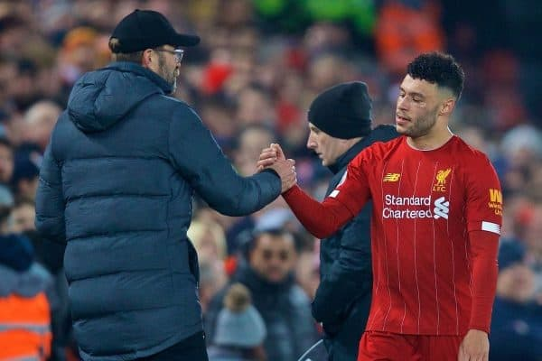 LIVERPOOL, ENGLAND - Sunday, January 19, 2020: Liverpool's manager Jürgen Klopp shakes hands with Alex Oxlade-Chamberlain as he is substituted during the FA Premier League match between Liverpool FC and Manchester United FC at Anfield. (Pic by David Rawcliffe/Propaganda)