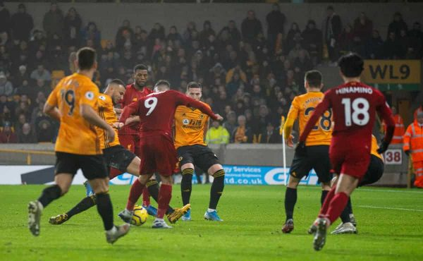 WOLVERHAMPTON, ENGLAND - Thursday, January 23, 2020: Liverpool's Roberto Firmino scores the second goal during the FA Premier League match between Wolverhampton Wanderers FC and Liverpool FC at Molineux Stadium. (Pic by David Rawcliffe/Propaganda)