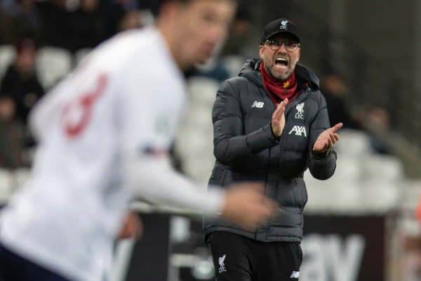 LONDON, ENGLAND - Wednesday, January 29, 2020: Liverpool's manager Jürgen Klopp applauds Curtis Jones during the FA Premier League match between West Ham United FC and Liverpool FC at the London Stadium. (Pic by David Rawcliffe/Propaganda)