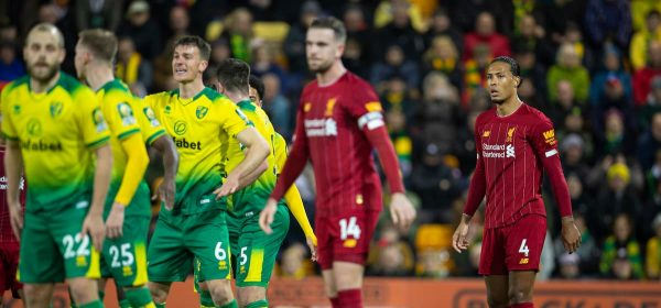 NORWICH, ENGLAND - Saturday, February 15, 2020: Liverpool's Virgil van Dijk awaits a free-kick during the FA Premier League match between Norwich City FC and Liverpool FC at Carrow Road. (Pic by David Rawcliffe/Propaganda)