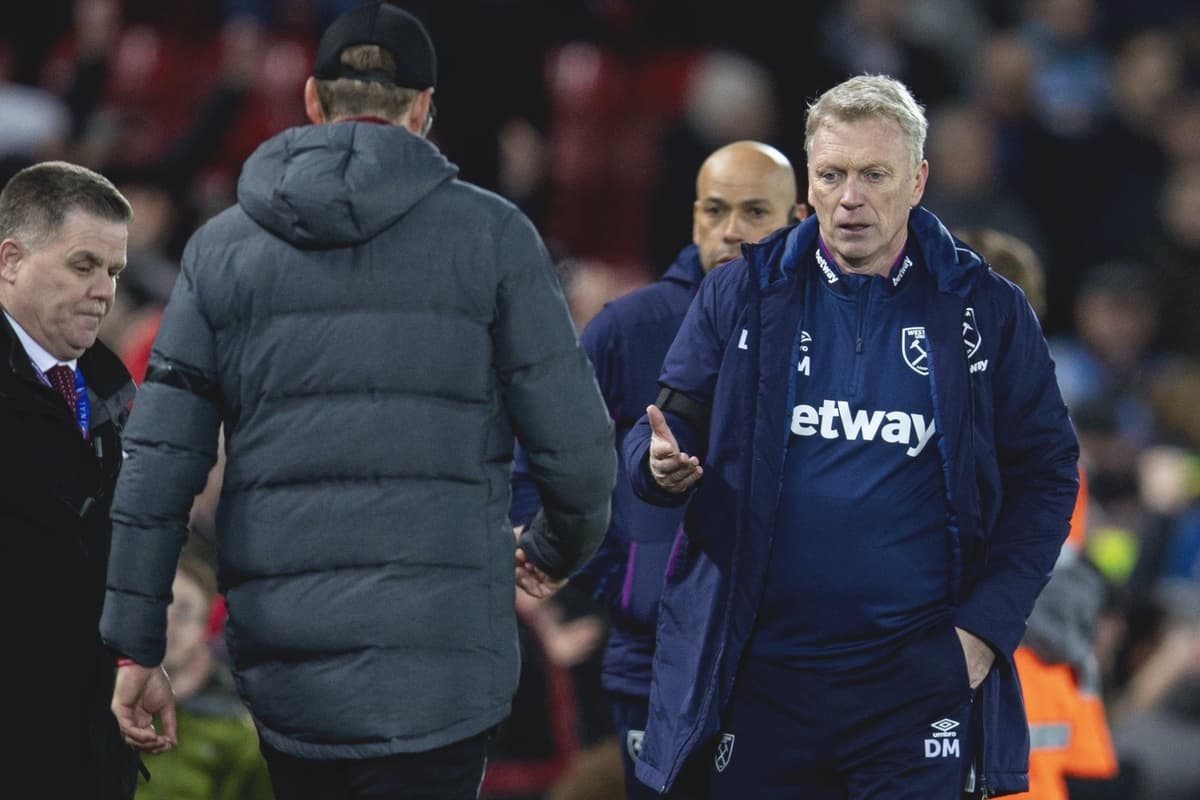 LIVERPOOL, ENGLAND - Monday, February 24, 2020: West Ham United's manager David Moyes shakes hands with Liverpool's manager Jürgen Klopp after the FA Premier League match between Liverpool FC and West Ham United FC at Anfield. Liverpool won 3-2. (Pic by David Rawcliffe/Propaganda)