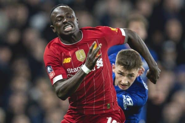 LONDON, ENGLAND - Tuesday, March 3, 2020: Liverpool's Sadio Mané (L) and Chelsea's Billy Gilmour during the FA Cup 5th Round match between Chelsea FC and Liverpool FC at Stamford Bridge. (Pic by David Rawcliffe/Propaganda)