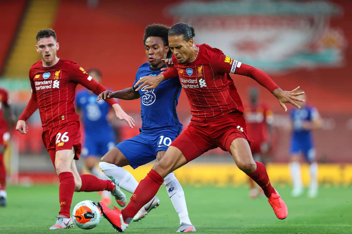 LIVERPOOL, ENGLAND - Wednesday, July 22, 2020: Liverpool's Virgil van Dijk (R) and Chelsea's Willian Borges da Silva during the FA Premier League match between Liverpool FC and Chelsea FC at Anfield. The game was played behind closed doors due to the UK government's social distancing laws during the Coronavirus COVID-19 Pandemic. (Pic by David Rawcliffe/Propaganda)