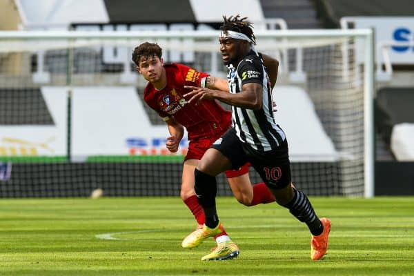 LIVERPOOL, ENGLAND - Sunday, July 26, 2020: Liverpool's Neco Williams (L) and Newcastle United's Allan Saint-Maximin during the final match of the FA Premier League season between Newcastle United FC and Liverpool FC at St. James' Park. The game was played behind closed doors due to the UK government's social distancing laws during the Coronavirus COVID-19 Pandemic. (Pic by David Rawcliffe/Propagandab)
