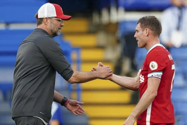 LONDON, ENGLAND - Sunday, September 20, 2020: Liverpool's manager Jürgen Klopp shakes hands with James Milner after the FA Premier League match between Chelsea FC and Liverpool FC at Stamford Bridge. The game was played behind closed doors due to the UK government's social distancing laws during the Coronavirus COVID-19 Pandemic. (Pic by Propaganda)