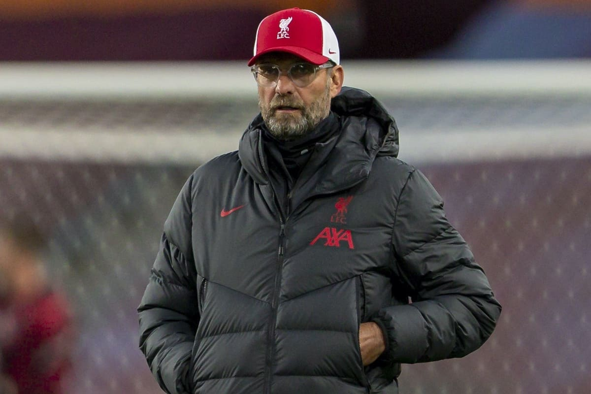 BIRMINGHAM, ENGLAND - Sunday, October 4, 2020: Liverpool's manager Jürgen Klopp during the pre-match warm-up before the FA Premier League match between Aston Villa FC and Liverpool FC at Villa Park. The game was played behind closed doors due to the UK government's social distancing laws during the Coronavirus COVID-19 Pandemic. (Pic by David Rawcliffe/Propaganda)