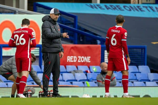 LIVERPOOL, ENGLAND - Saturday, October 17, 2020: Liverpool's manager Jürgen Klopp speaks with Thiago Alcantara during the FA Premier League match between Everton FC and Liverpool FC, the 237th Merseyside Derby, at Goodison Park. The game was played behind closed doors due to the UK government's social distancing laws during the Coronavirus COVID-19 Pandemic. (Pic by David Rawcliffe/Propaganda)