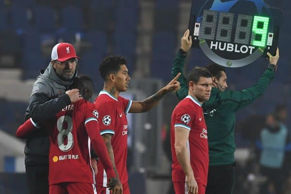 BERGAMO, ITALY - Tuesday, November 3, 2020: Liverpool's manager Jürgen Klopp prepares to bring on substitute Naby Keita during the UEFA Champions League Group D match between Atalanta BC and Liverpool FC at the Stadio di Bergamo. (Pic by Simone Arveda/Propaganda)