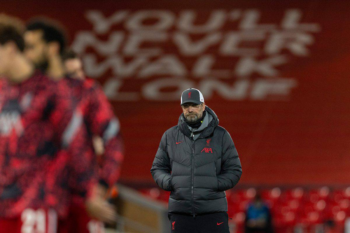LIVERPOOL, ENGLAND - Wednesday, November 25, 2020: Liverpool's manager Jürgen Klopp during the pre-match warm-up before the UEFA Champions League Group D match between Liverpool FC and Atalanta BC at Anfield. (Pic by David Rawcliffe/Propaganda)