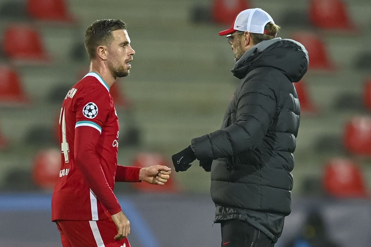 HERNING, DENMARK - Wednesday, December 9, 2020: Liverpool's captain Jordan Henderson (L) and manager Jürgen Klopp after the UEFA Champions League Group D match between FC Midtjylland and Liverpool FC at the Herning Arena. (Pic by Lars Møller/Propaganda)
