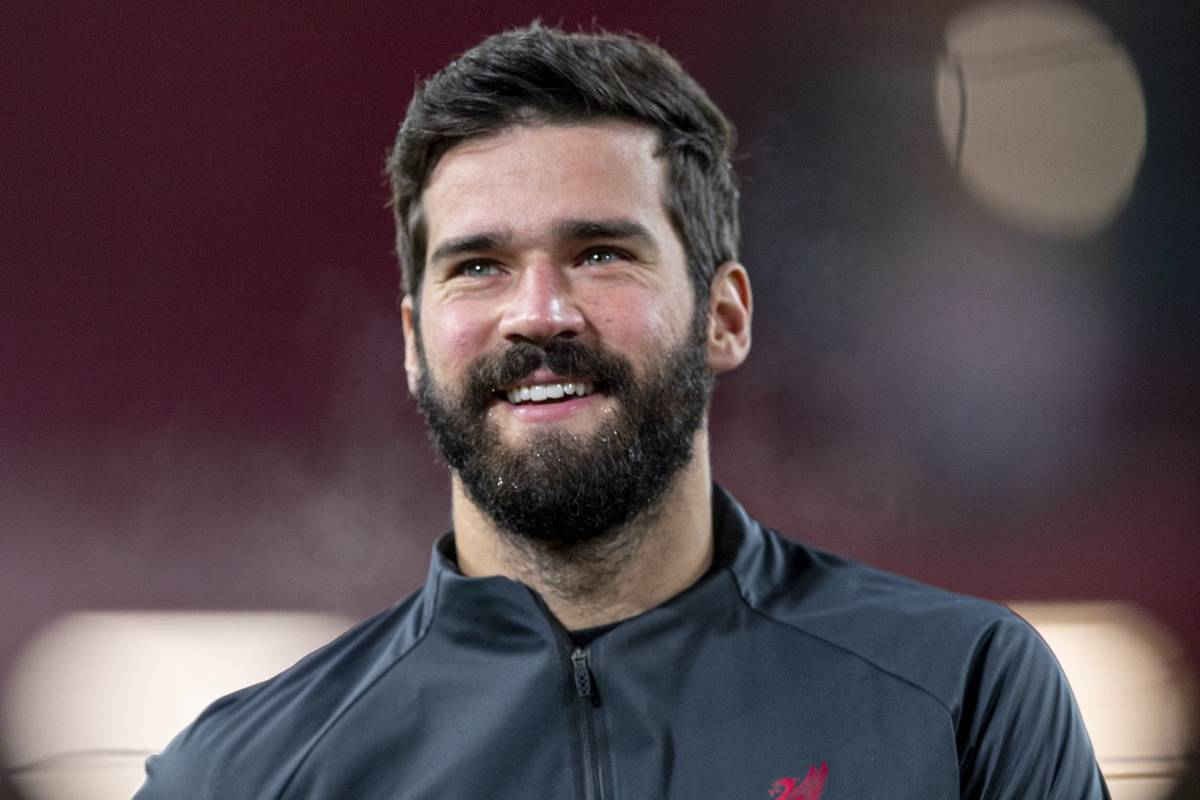 LIVERPOOL, ENGLAND - Wednesday, December 16, 2020: Liverpool's goalkeeper Alisson Becker during the pre-match warm-up before the FA Premier League match between Liverpool FC and Tottenham Hotspur FC at Anfield. (Pic by David Rawcliffe/Propaganda)